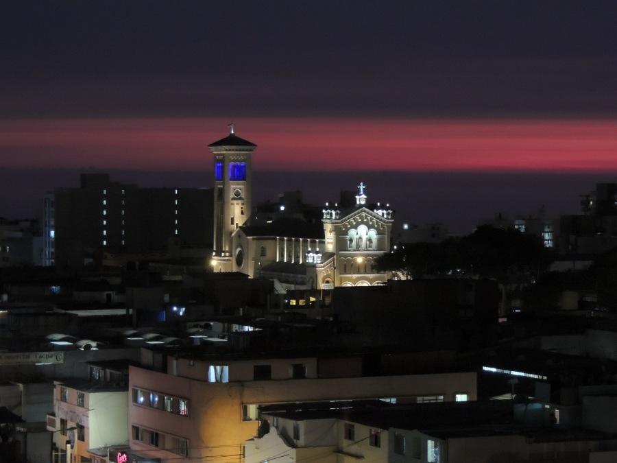 Iglesia at Night