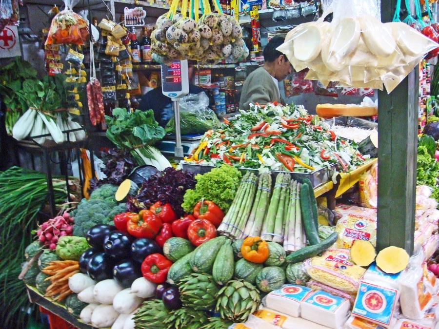 Surquillo Mkt-Veggie Stall edited